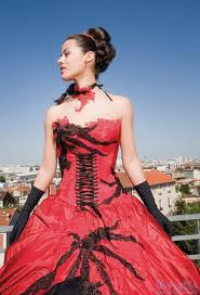 Ledee plesové šaty goth na míru na maturitní ples červenočerné ... 80507bdaf4